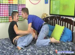 Twink Comes For Dinner and Cums On the Waiter